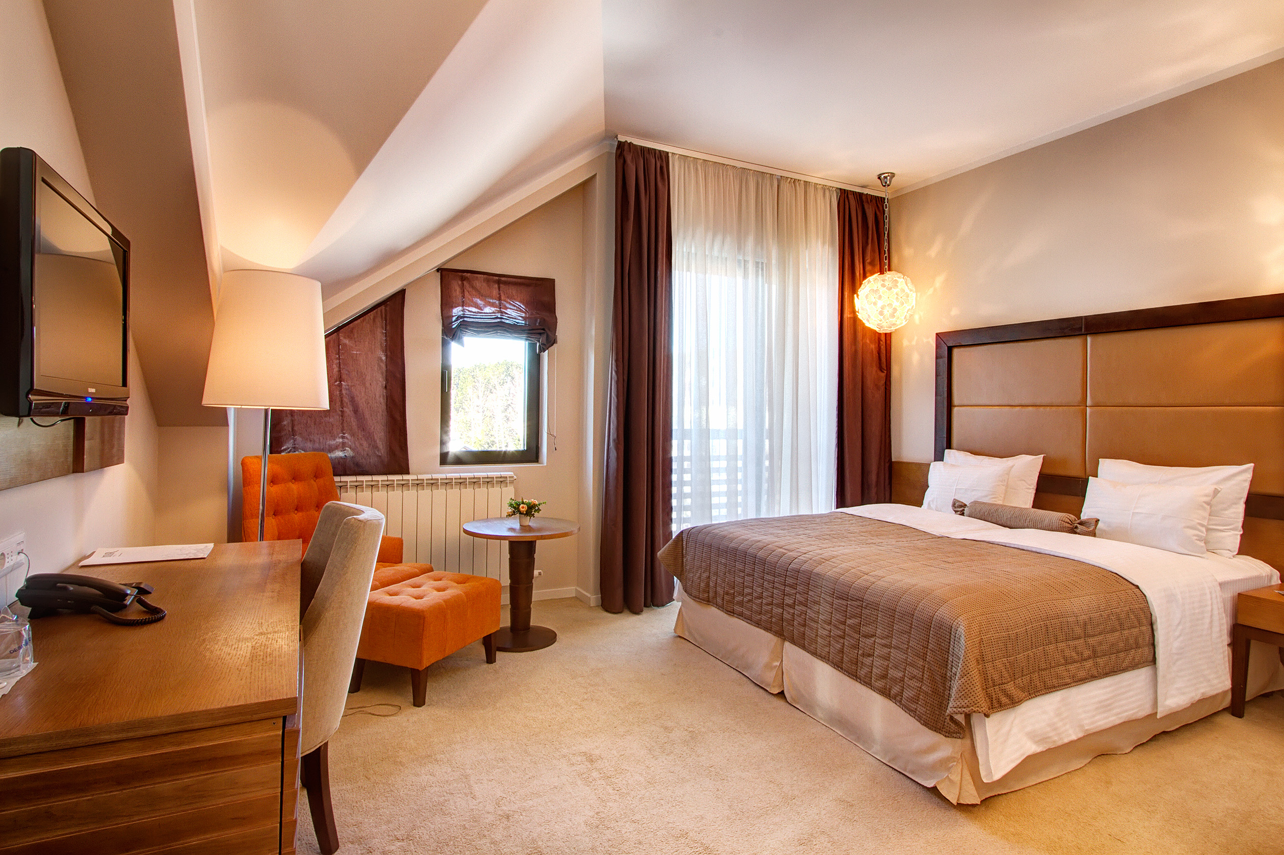 Zlatibor, smestaj, letnji odmor, spavanje, pansion, spa, soba, apartman, akcija, nova godina, hotel mir 39