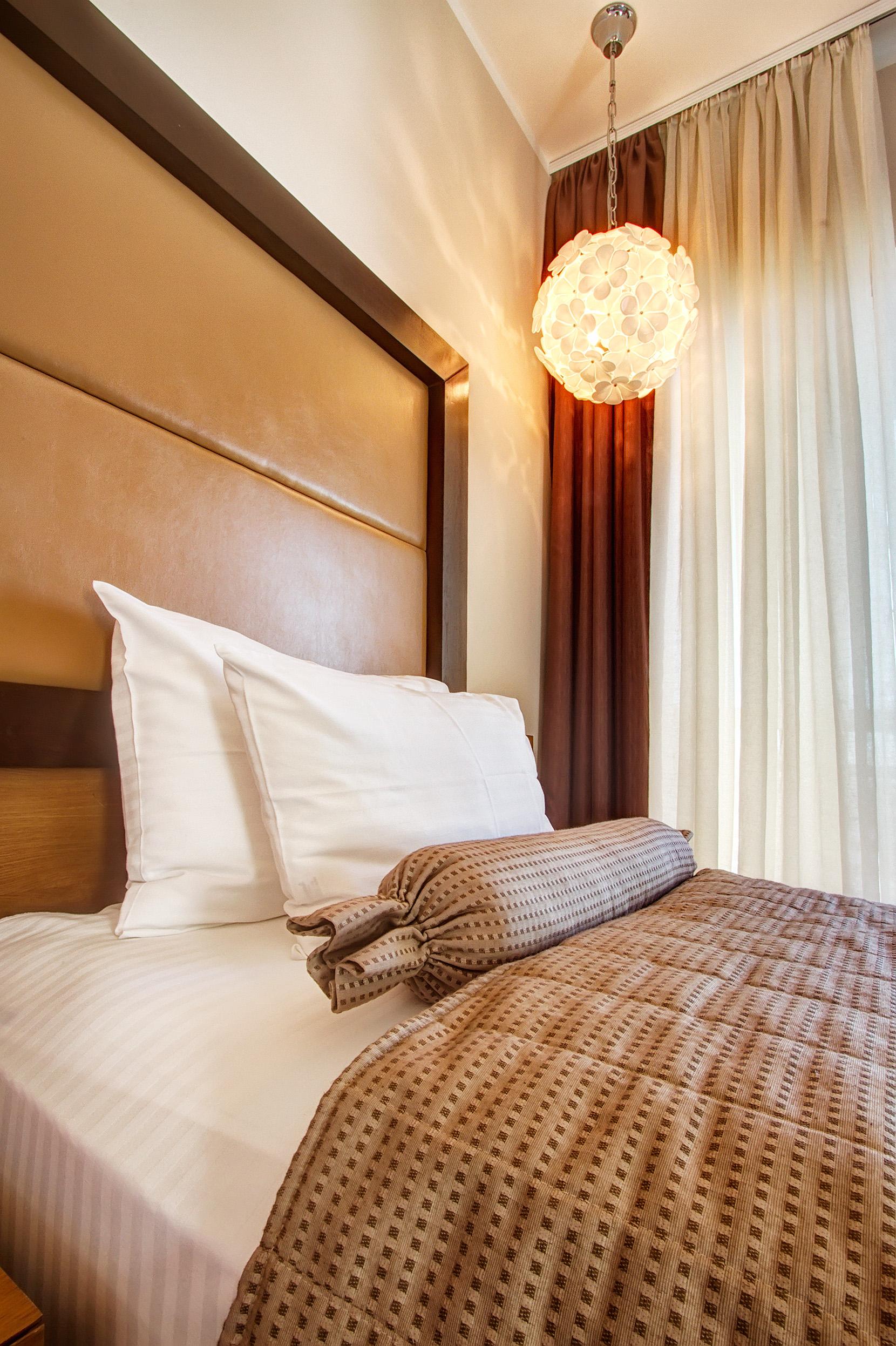Zlatibor, smestaj, letnji odmor, spavanje, pansion, spa, soba, apartman, akcija, nova godina, hotel mir 23